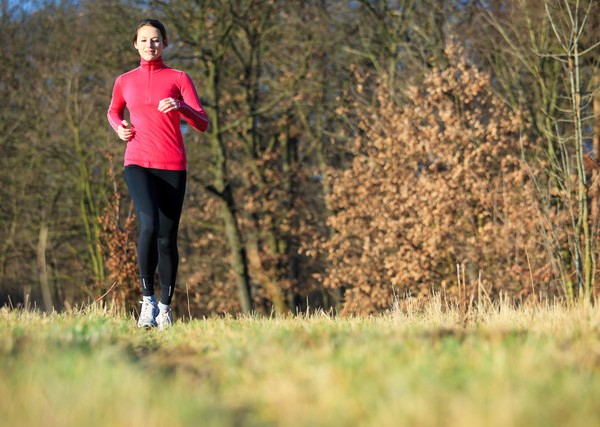 canstockphoto9460193pink running